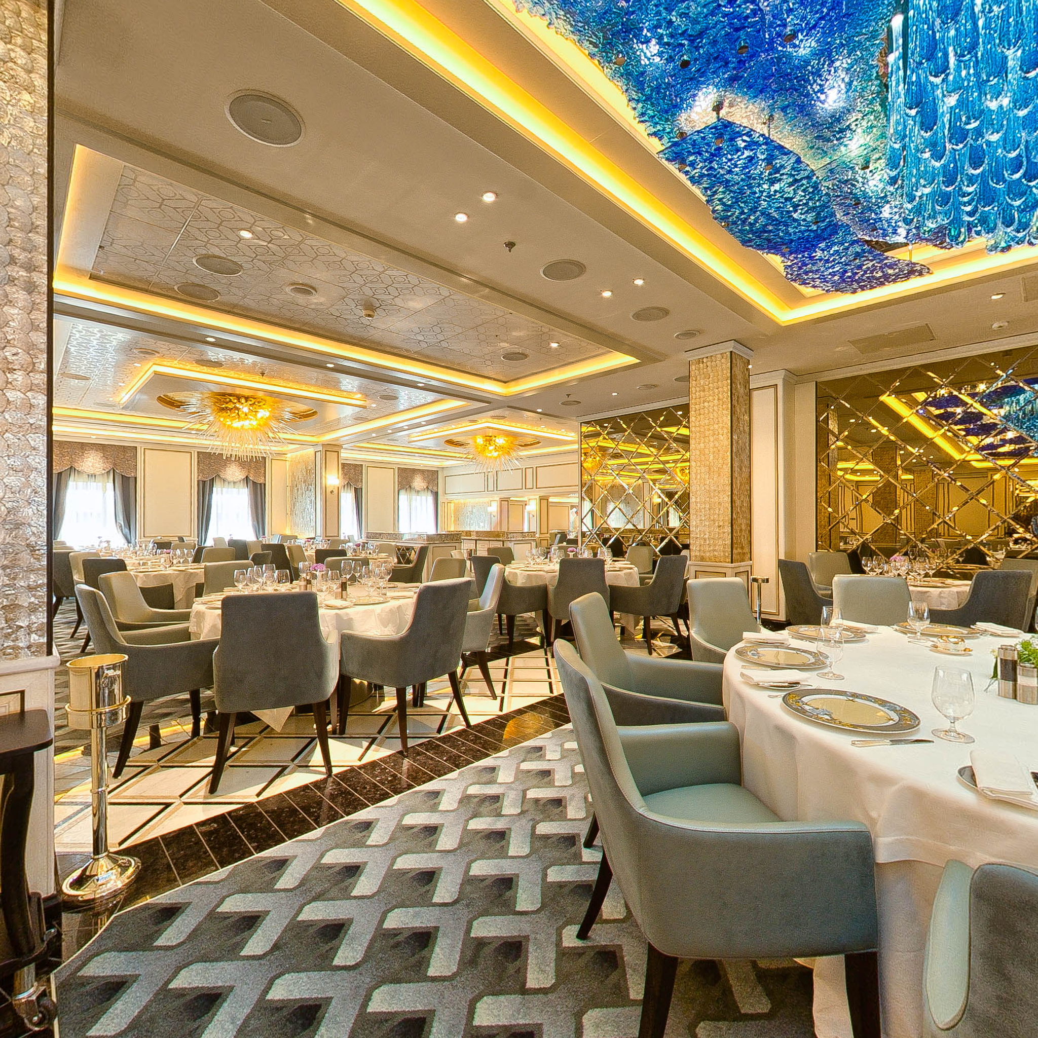 Panorama of Compass Rose on Seven Seas Explorer