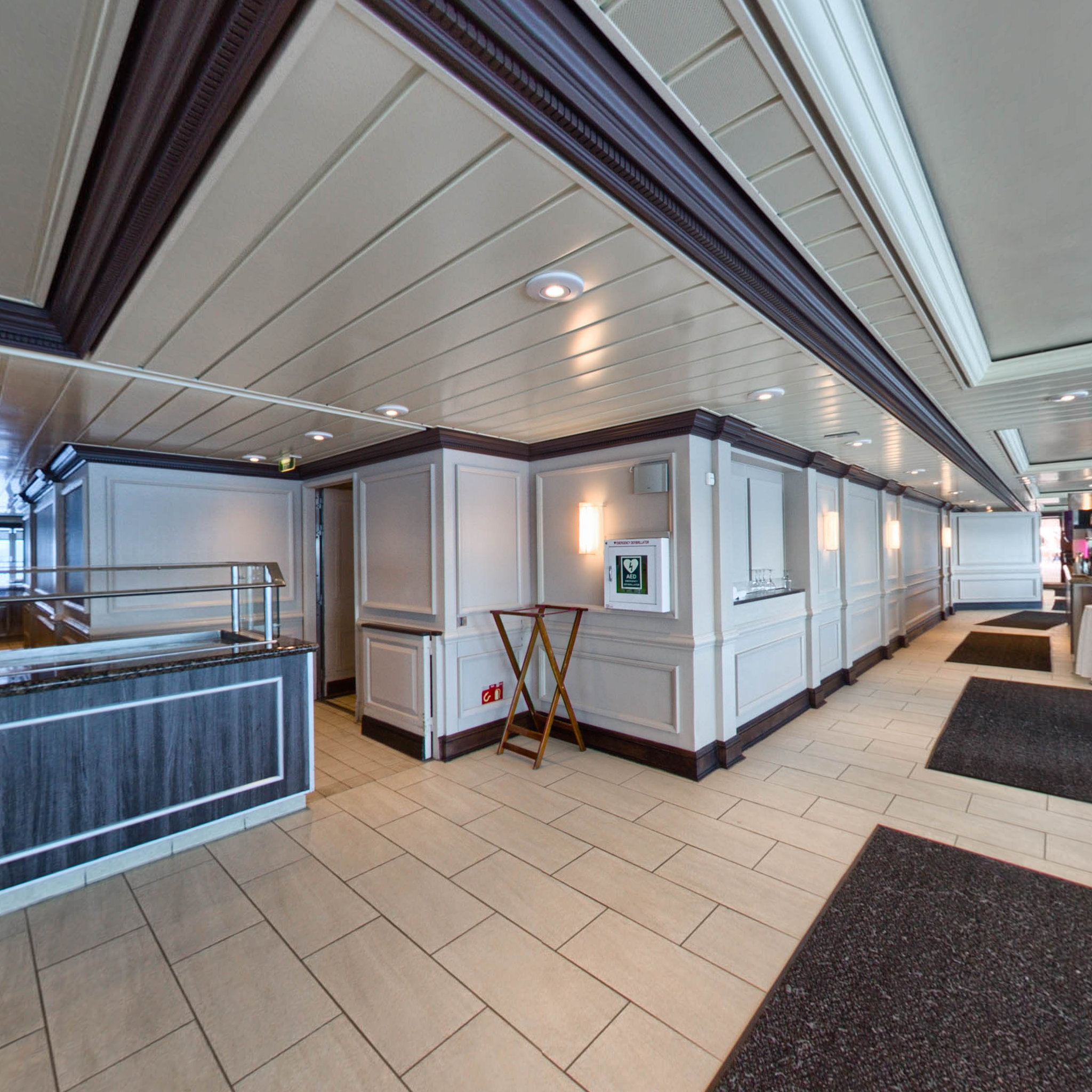 Panorama of Windows Cafe on Azamara Journey