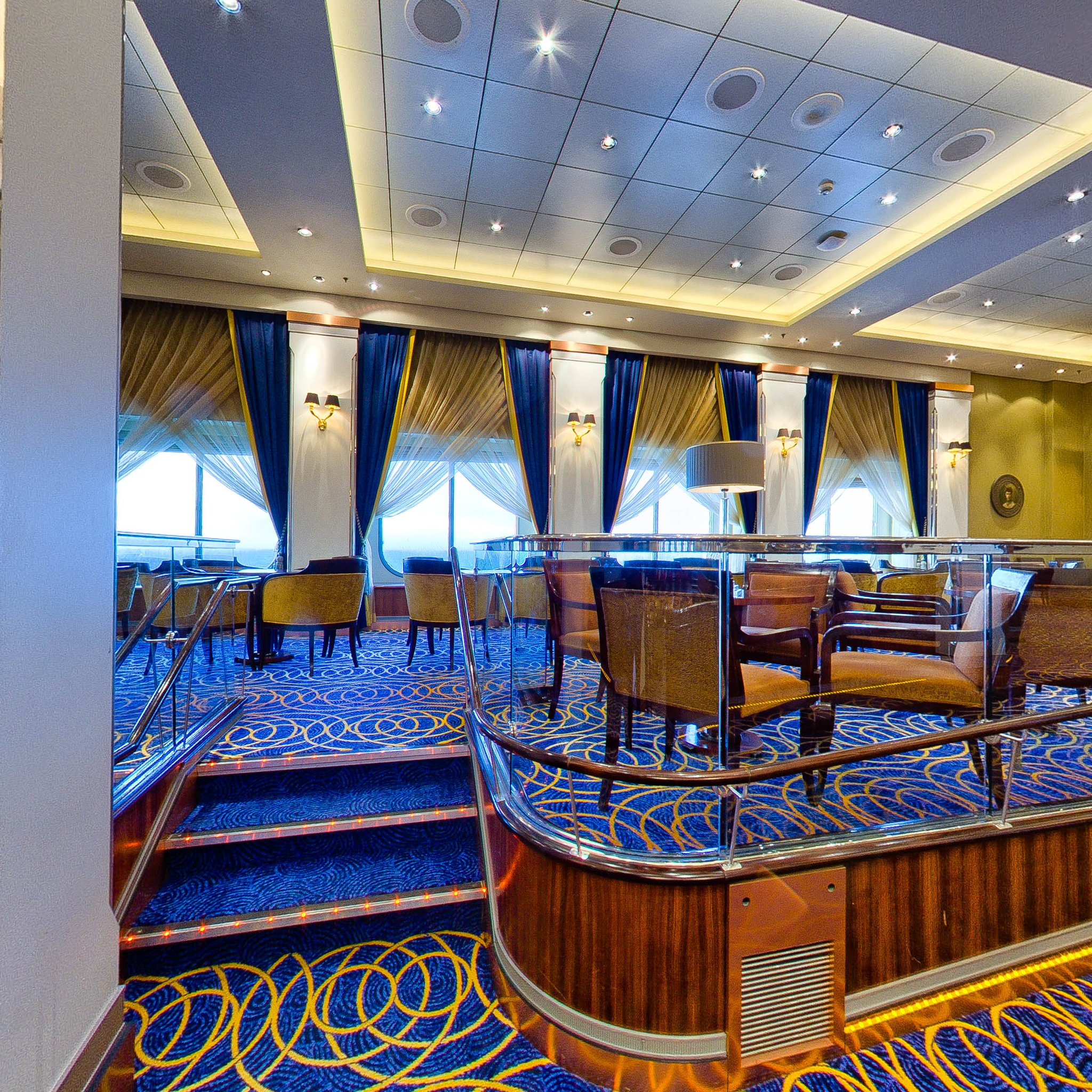 Panorama of Queens Room on Queen Mary 2 (QM2)