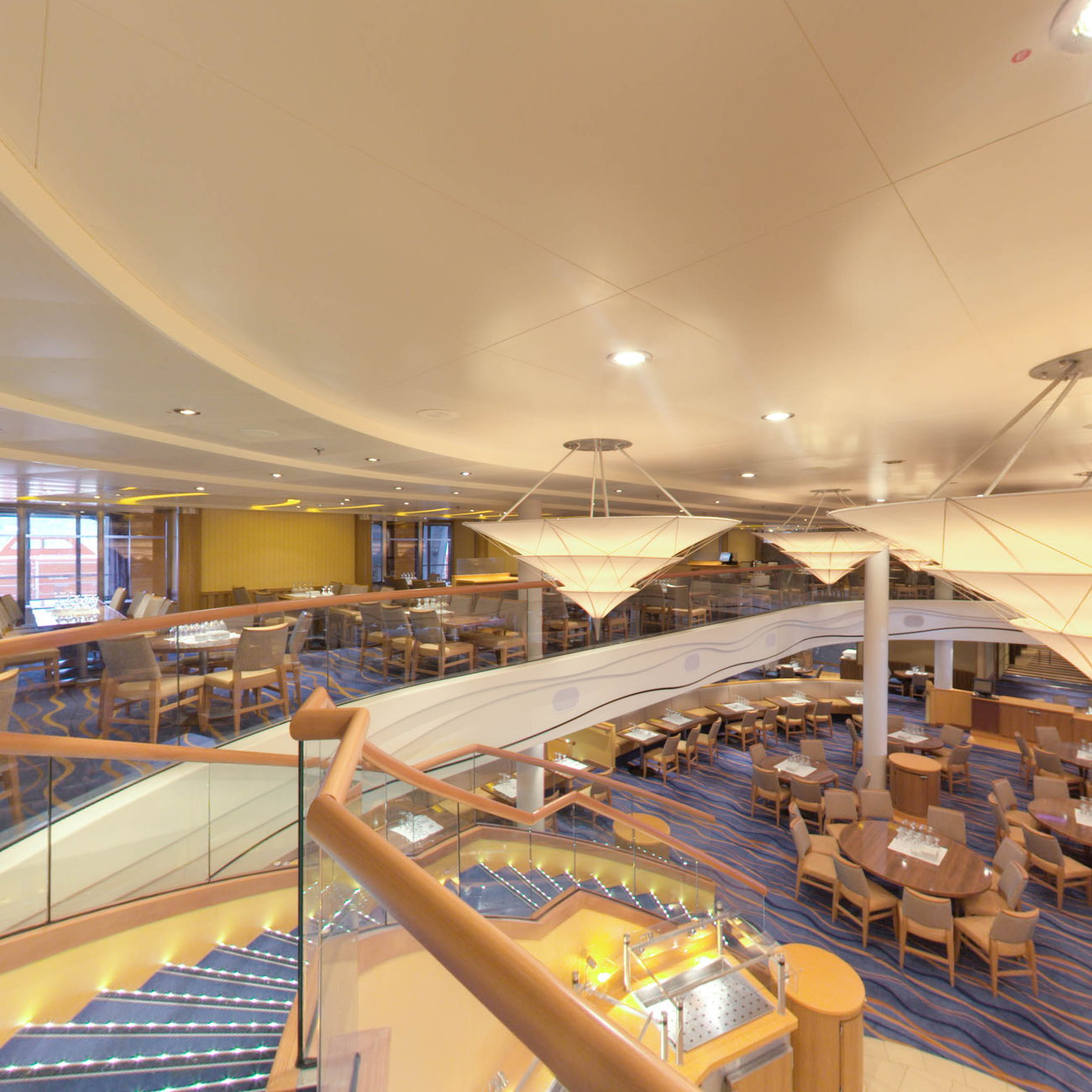 Panorama of Sapphire Restaurant on Carnival Breeze