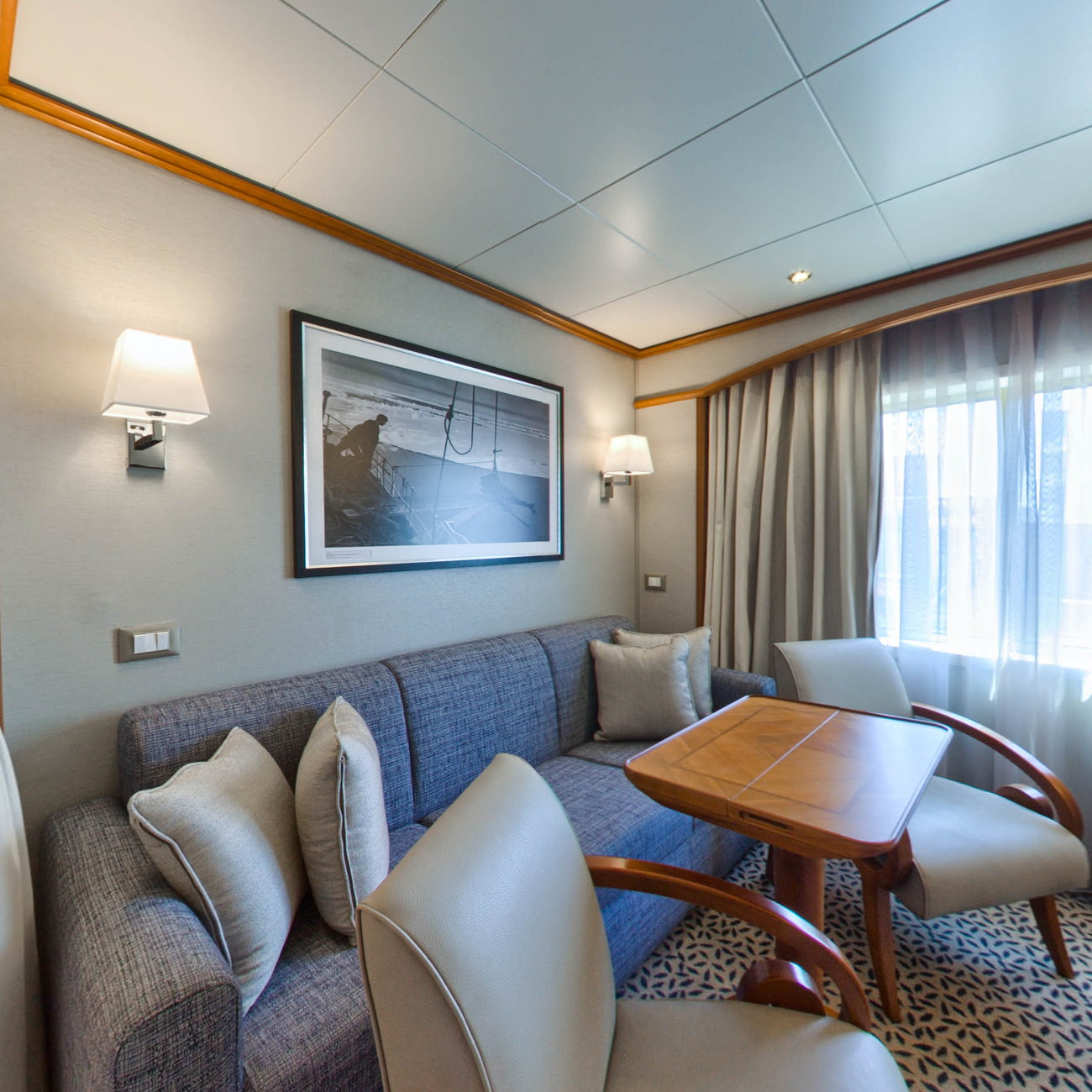 Panorama of The Vista Suite on Silver Cloud Expedition