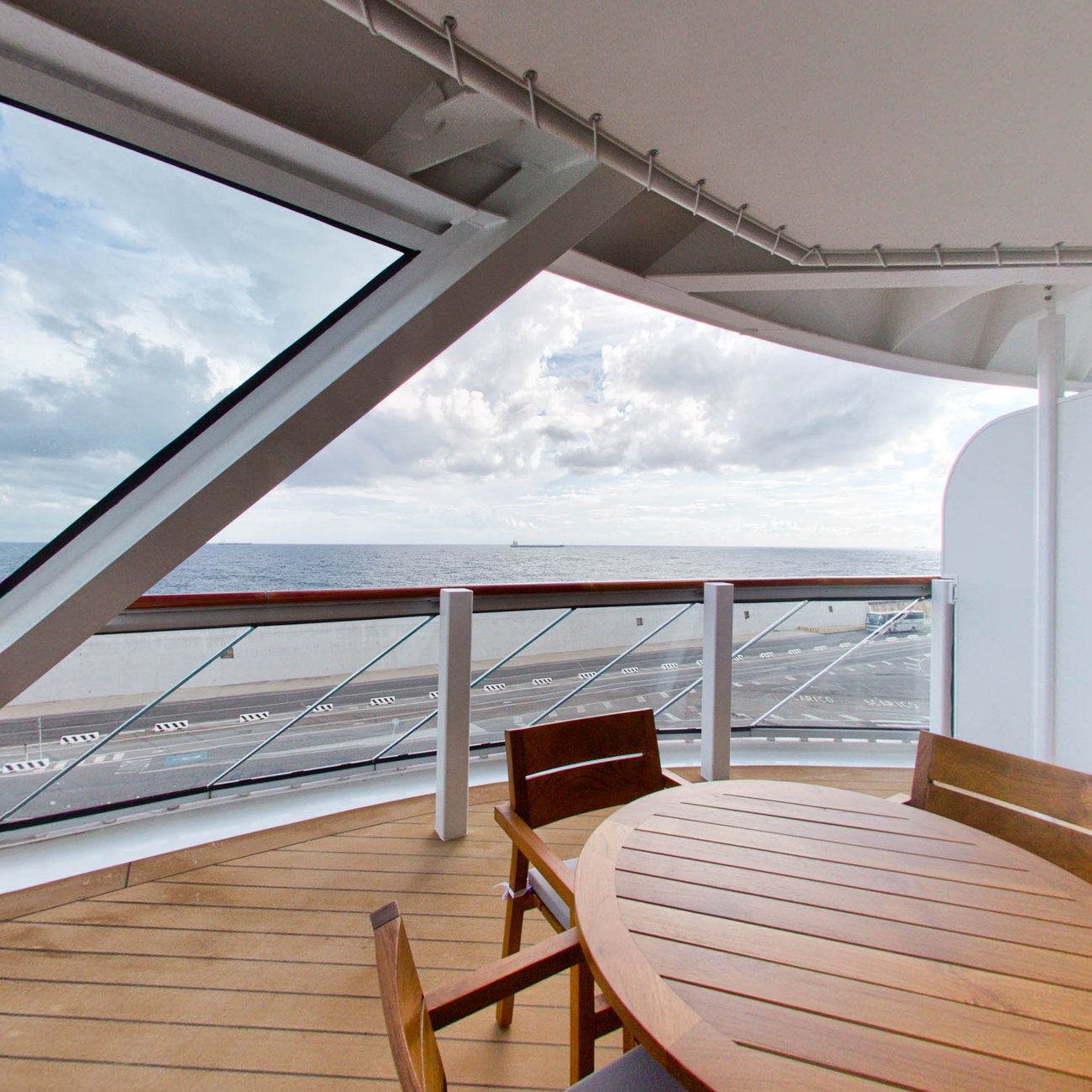 Panorama of The Explorer Suite on Viking Orion