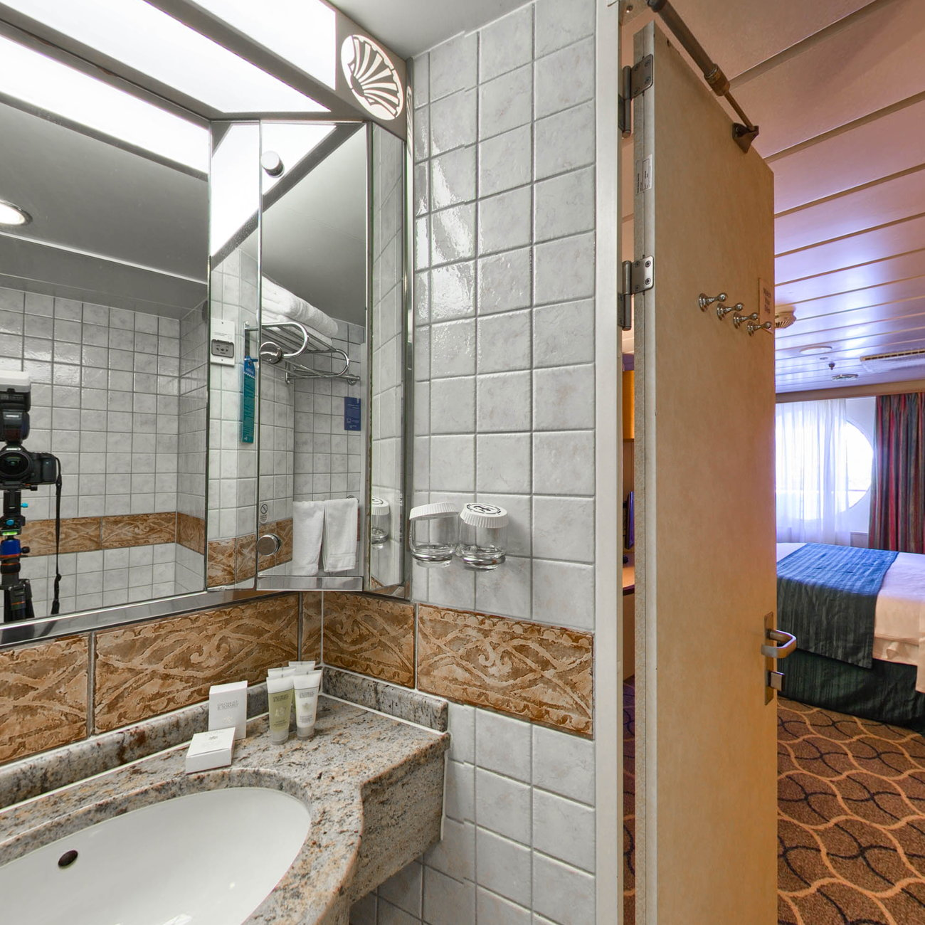 Panorama of The Grand Suite on Mariner of the Seas
