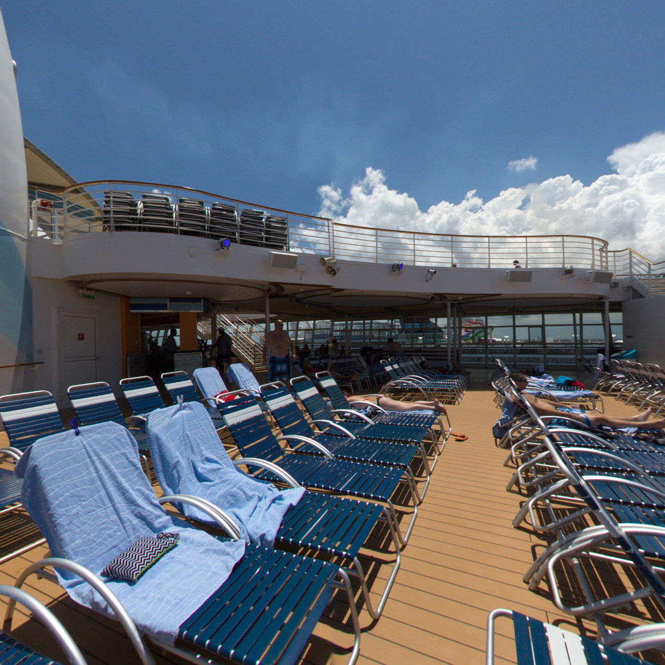 Panorama of The Sports Pool on Oasis of the Seas