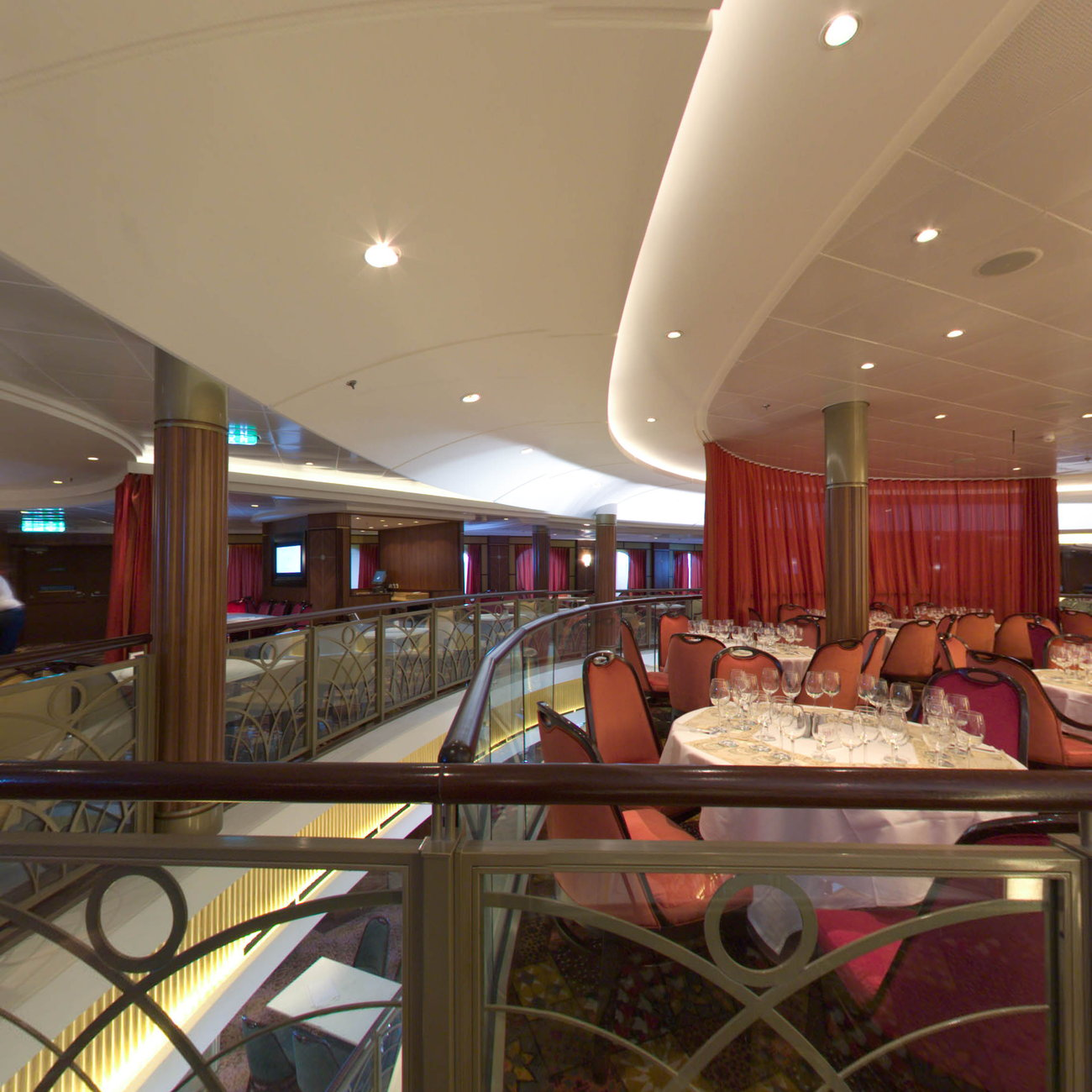 Panorama of Silk on Oasis of the Seas