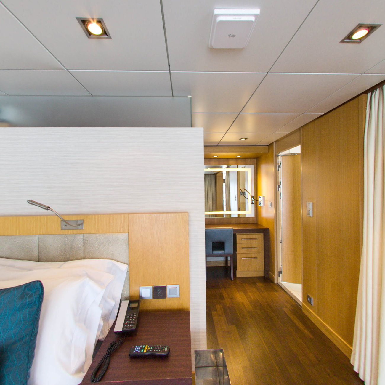 Panorama of The Royal Loft Suite with Balcony on Oasis of the Seas