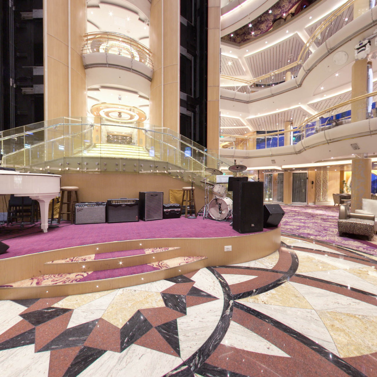 Panorama of Atrium on Enchantment of the Seas