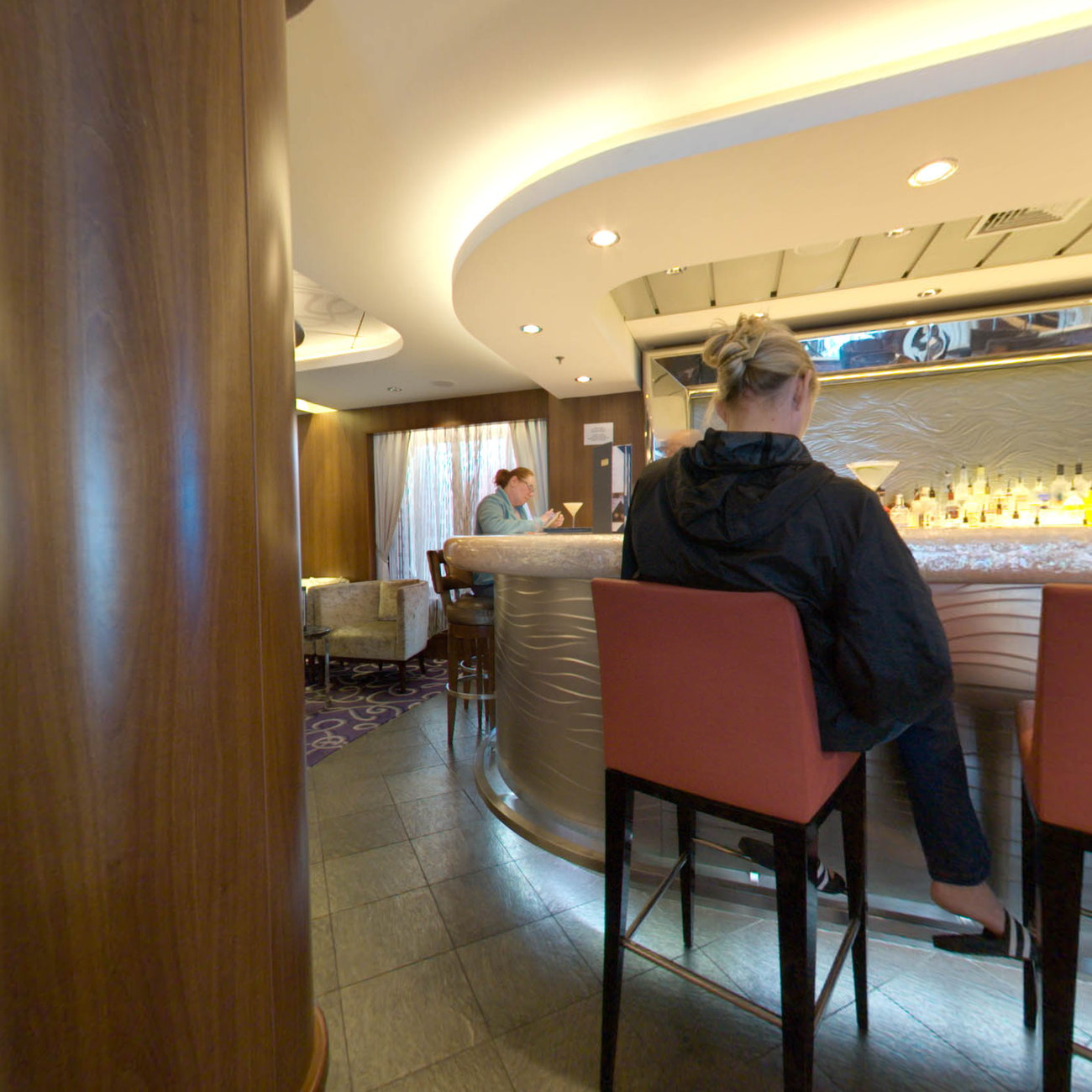 Panorama of Shakers Martini Bar on Norwegian Epic