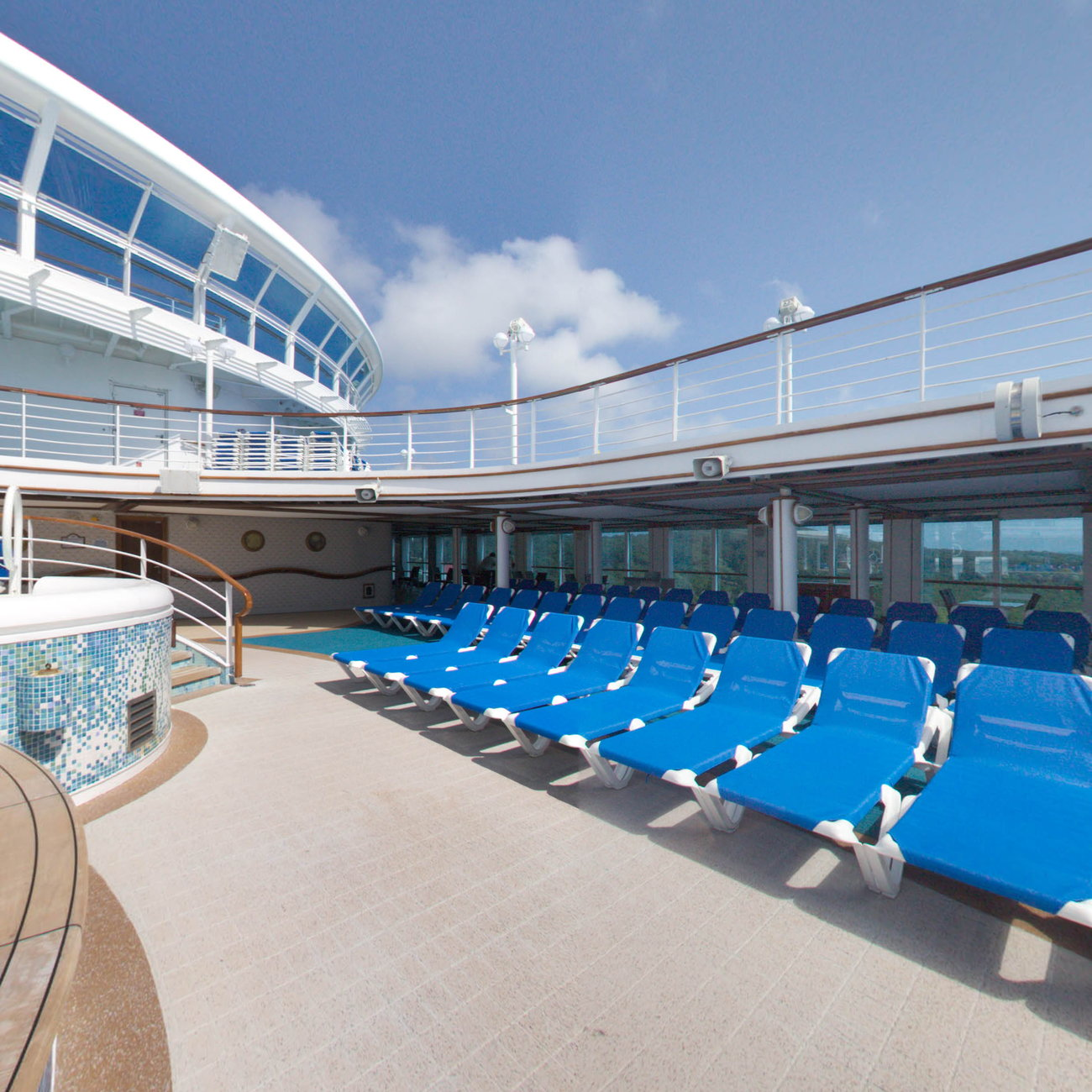 Panorama of The Neptune Pool on Caribbean Princess